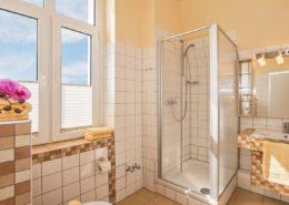 Familienzimmer Typ 1 Amethyst Badezimmer_klein