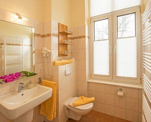 Ferienwohnung Onyx Bad 1 - Urlaubshotel Strandvilla Imperator im Seebad Bansin auf Usedom