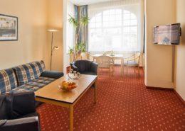 Ferienwohnung Onyx Wohnbereich 2 - Urlaubshotel Strandvilla Imperator mit Ferienwohnungen und Zimmern im Seebad Bansin auf Usedom