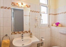 Ferienwohnung Rosenquarz Bad - Urlaubshotel Strandvilla Imperator mit Ferienwohnungen und Zimmern im Seebad Bansin auf Usedom