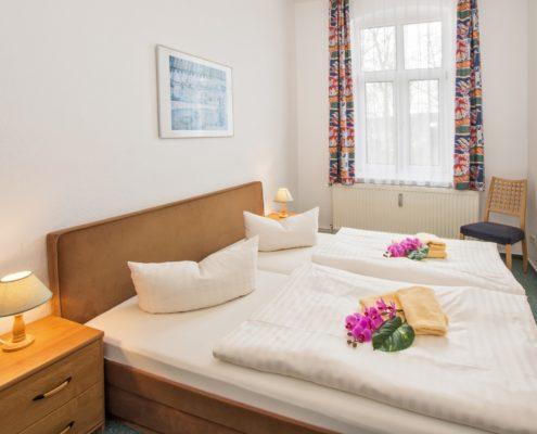 Ferienwohnung Rosenquarz Doppelzimmer - Urlaubshotel Strandvilla Imperator im Seebad Bansin auf Usedom
