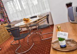 Ferienwohnung Rosenquarz Wohnbereich 3 - Urlaubshotel Strandvilla Imperator im Seebad Bansin auf Usedom