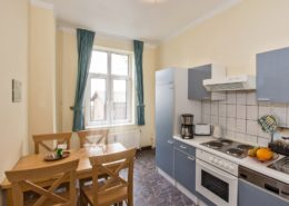 Ferienwohnung Waldrand Küche - Urlaubshotel Strandvilla Imperator mit Ferienwohnungen und Zimmern im Seebad Bansin auf Usedom