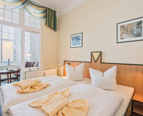 Doppelzimmer Komfort Wohn-/Schlafbereich 2 - Urlaubshotel Strandvilla Imperator im Seebad Bansin auf Usedom