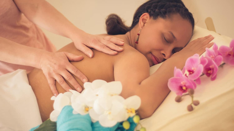 Wellness Anwendungen, Klassische Massagen, Ho'oponopono Lomi Lomi Massage nach Allen Alapai, Traditionell Hawaiianische Heilmassagen, Usedom, Bansin