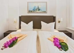 Ferienwohnung Komfort Bernstein Schlafzimmer - Urlaubshotel Strandvilla Imperator im Seebad Bansin auf Usedom