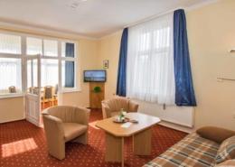 Ferienwohnung Opal Wohnbereich 1 - Urlaubshotel Strandvilla Imperator im Seebad Bansin auf Usedom