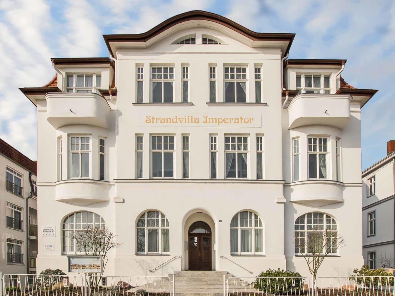 Urlaubshotel Strandvilla Imperator mit Ferienwohnungen und Zimmern im Seebad Bansin auf Usedom
