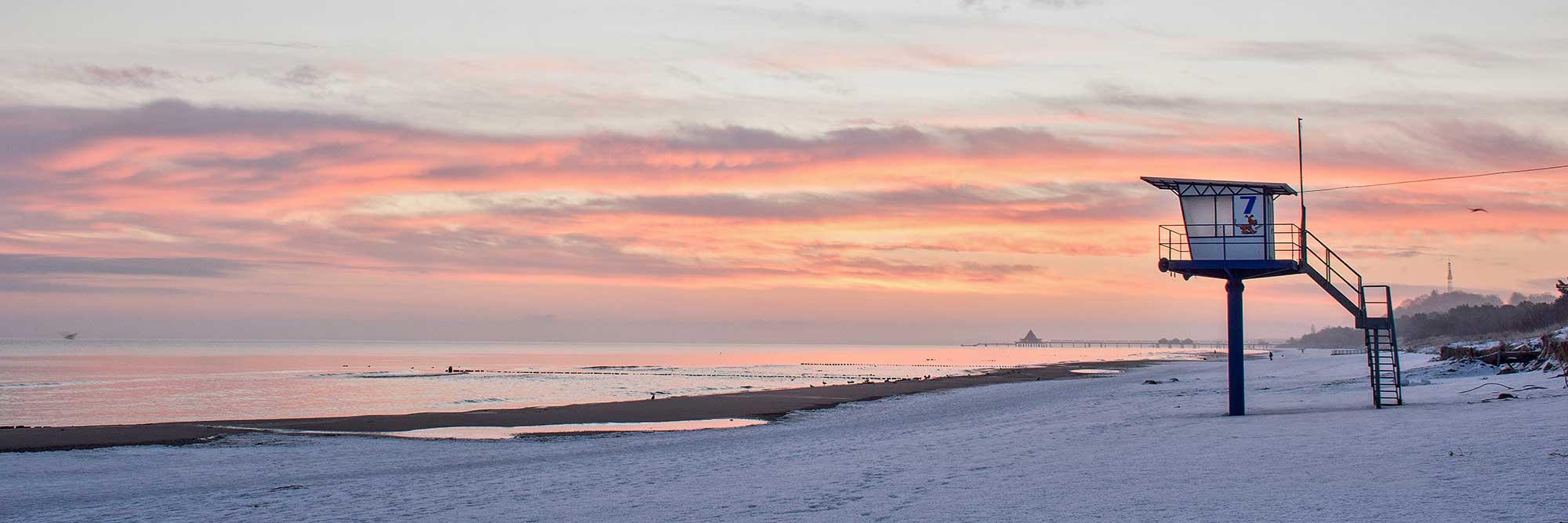 Strand Bansin im Winter mit Blick auf die Ostsee