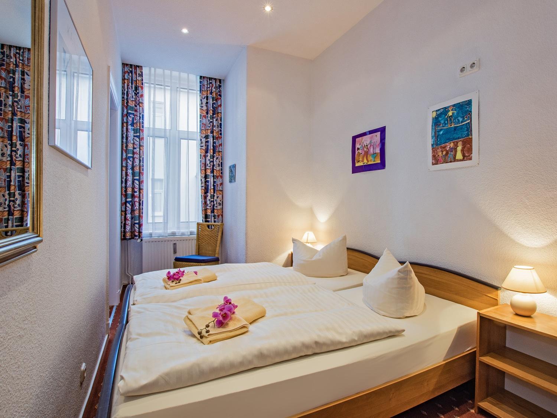 Familienzimmer Rubin Schlafbereich 1 - Urlaubshotel Strandvilla Imperator in Bansin auf Usedom