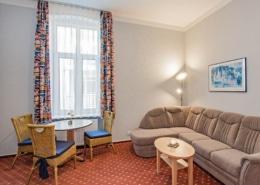 Familienzimmer Rubin Wohnbereich 2 - Urlaubshotel Strandvilla Imperator Usedom