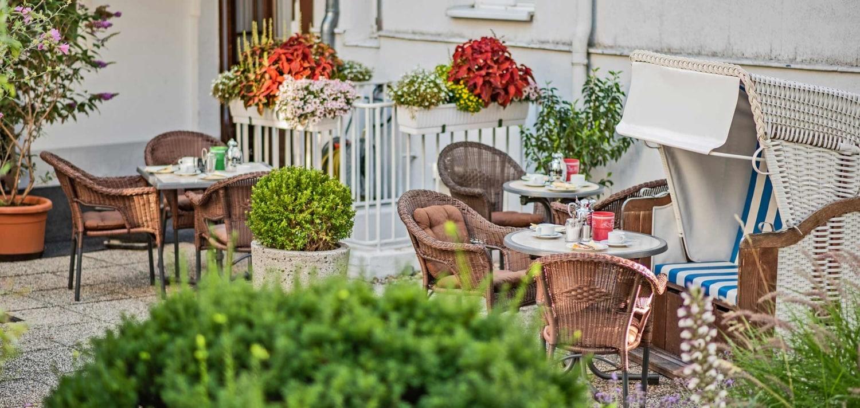 Frühstück Terrasse Strandvilla Imperator Bansin