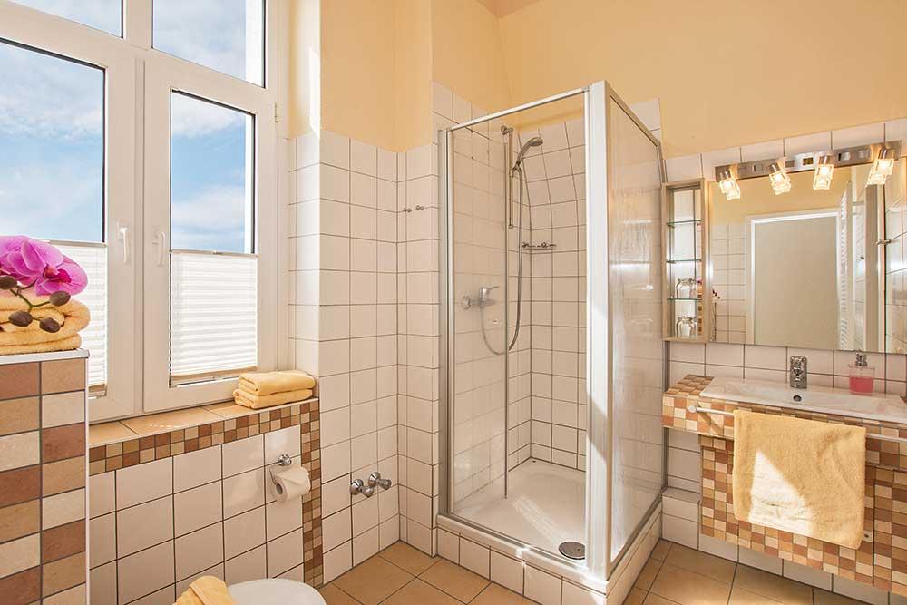 Amethyst Familienzimmer Typ 1 Badezimmer