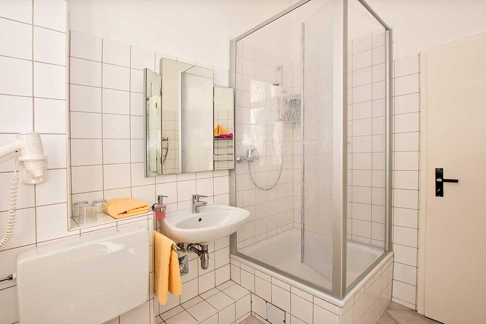 Smaragd Familienzimmer Typ 2 Badezimmer
